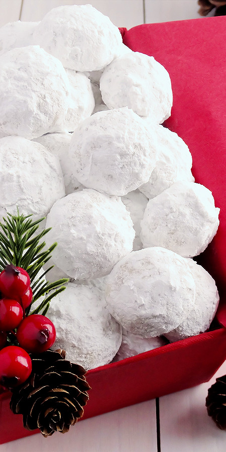 Mexican Christmas Cookies  Snowball Christmas Cookies best ever Wicked Good Kitchen