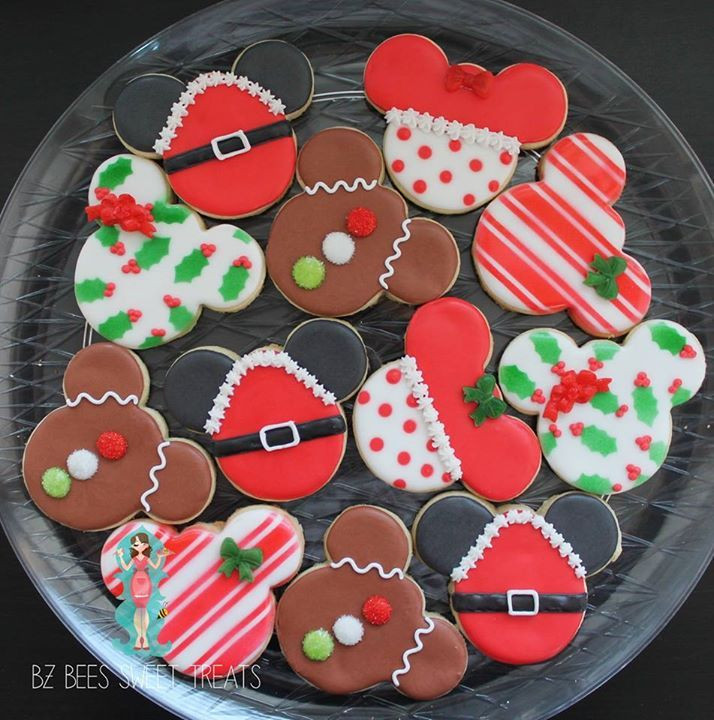 Mickey Mouse Christmas Cookies  1000 ideas about Mickey Cakes on Pinterest