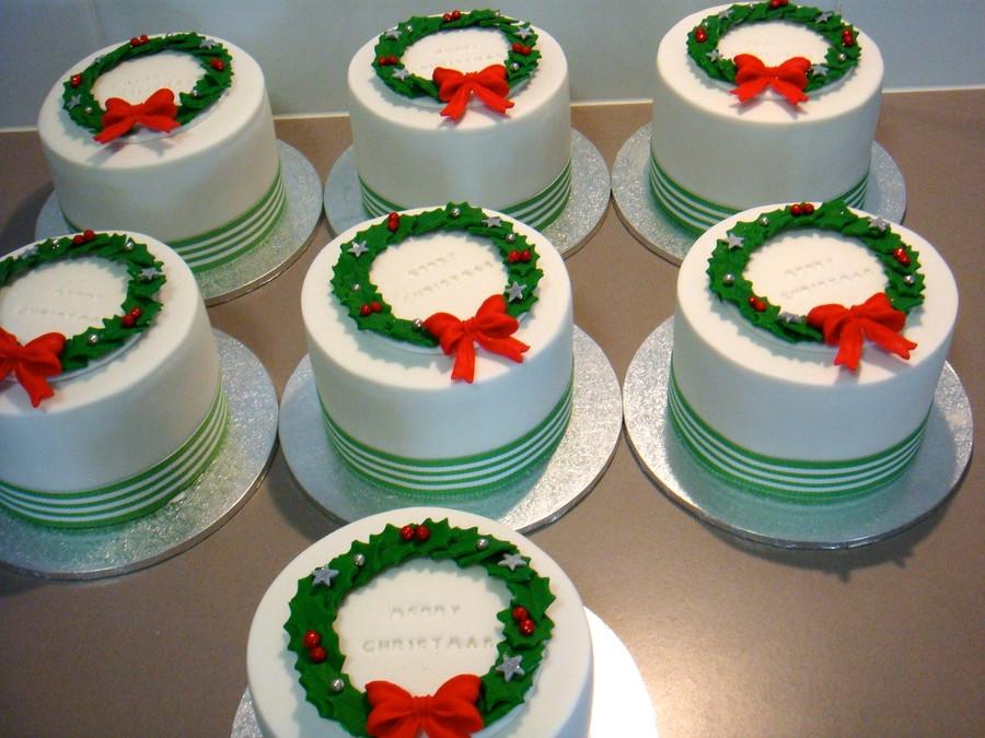 Mini Christmas Cakes  Mini Christmas Cakes CakeCentral