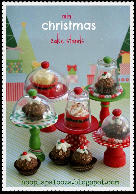 Mini Christmas Cakes  hoopla palooza mini christmas cake stands