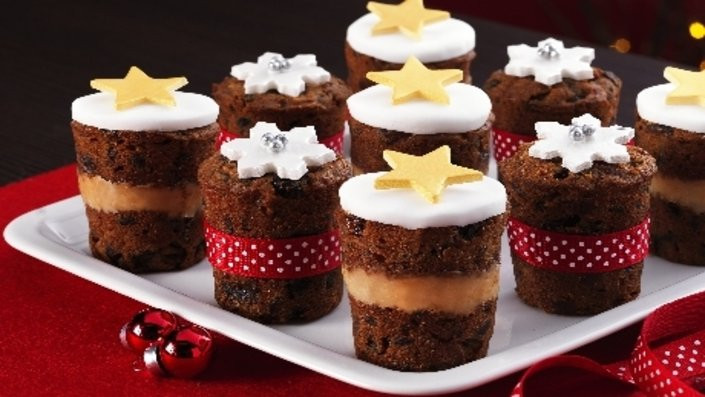 Mini Christmas Cakes  50 Ways to Make Christmas All About The Cake