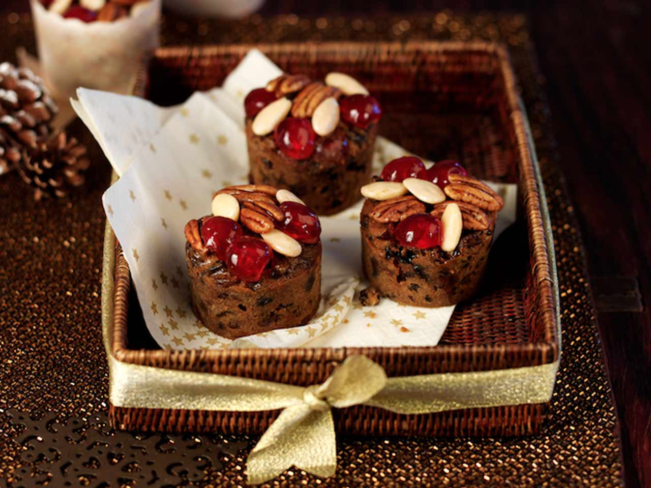 Mini Christmas Cakes  Mini Christmas cake muffins with rum Saga