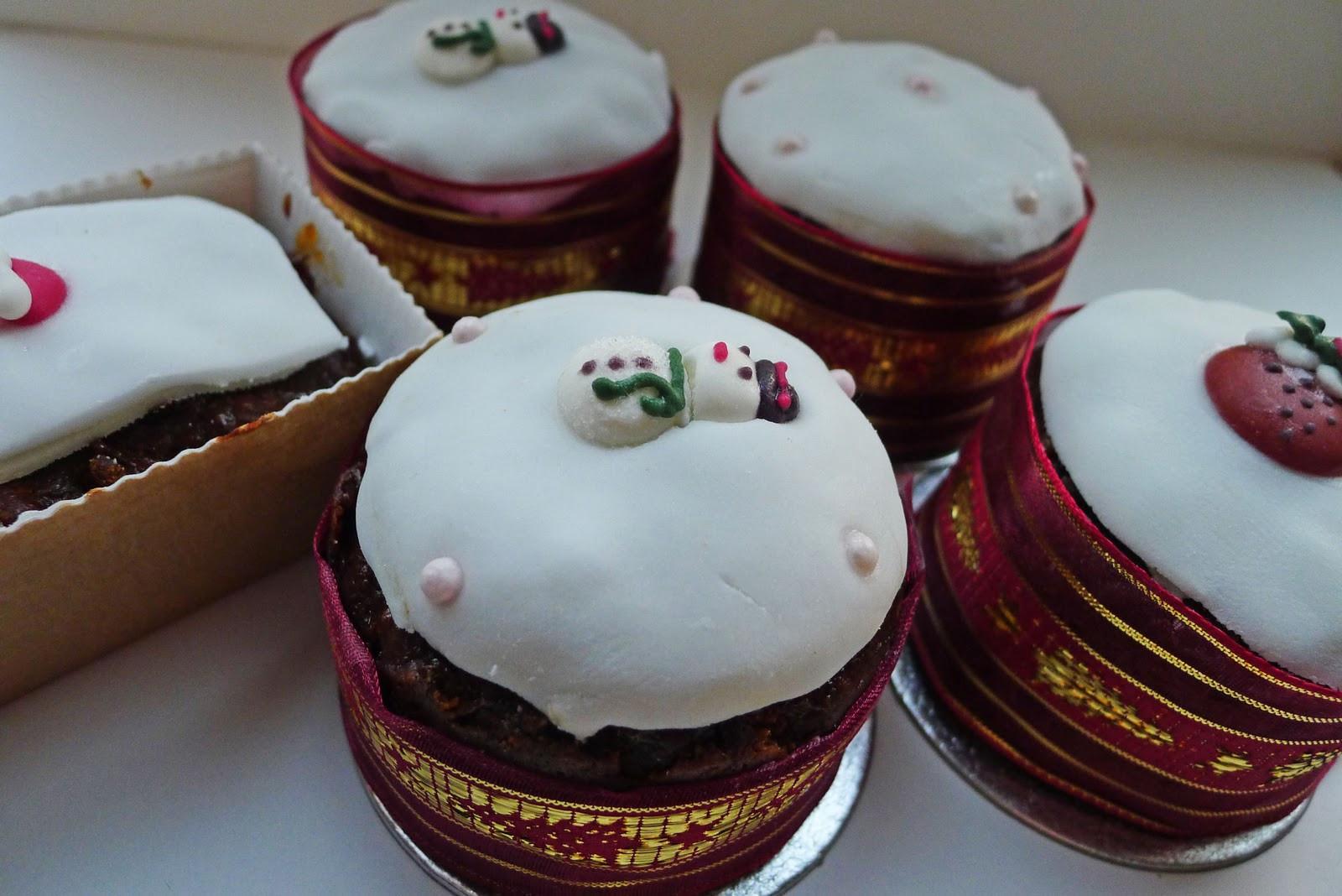 Mini Christmas Cakes  More than a fruitcake Mini Christmas Fruit cakes