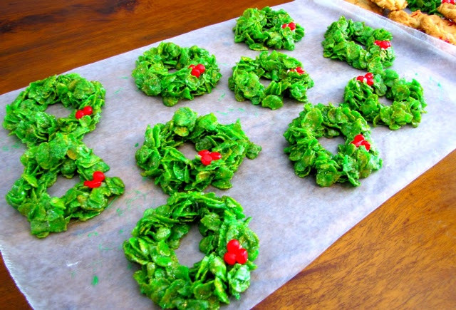 No Bake Christmas Wreath Cookies  Christmas Cornflake Wreath Cookies I used red and white