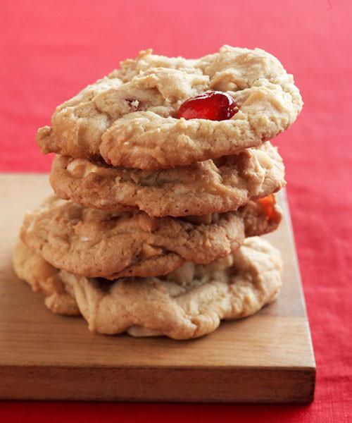 Paula Deen Christmas Cookies  Paula Deen s White Chocolate Cherry Chunkies Cookie Recipe