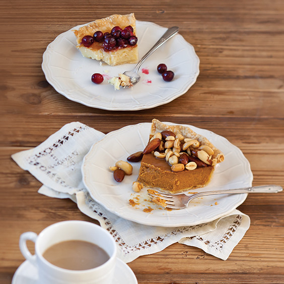 Paula Deen Thanksgiving Desserts  Thanksgiving Pies Paula Deen magazine