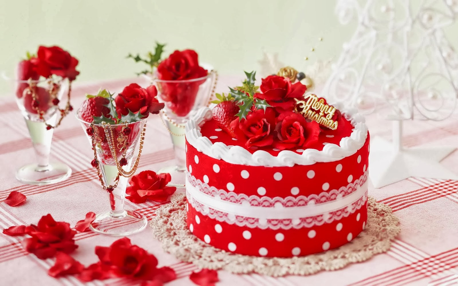 Picture Of Christmas Cakes  Christmas Cakes HD Wallpapers HD Wallpapers Blog