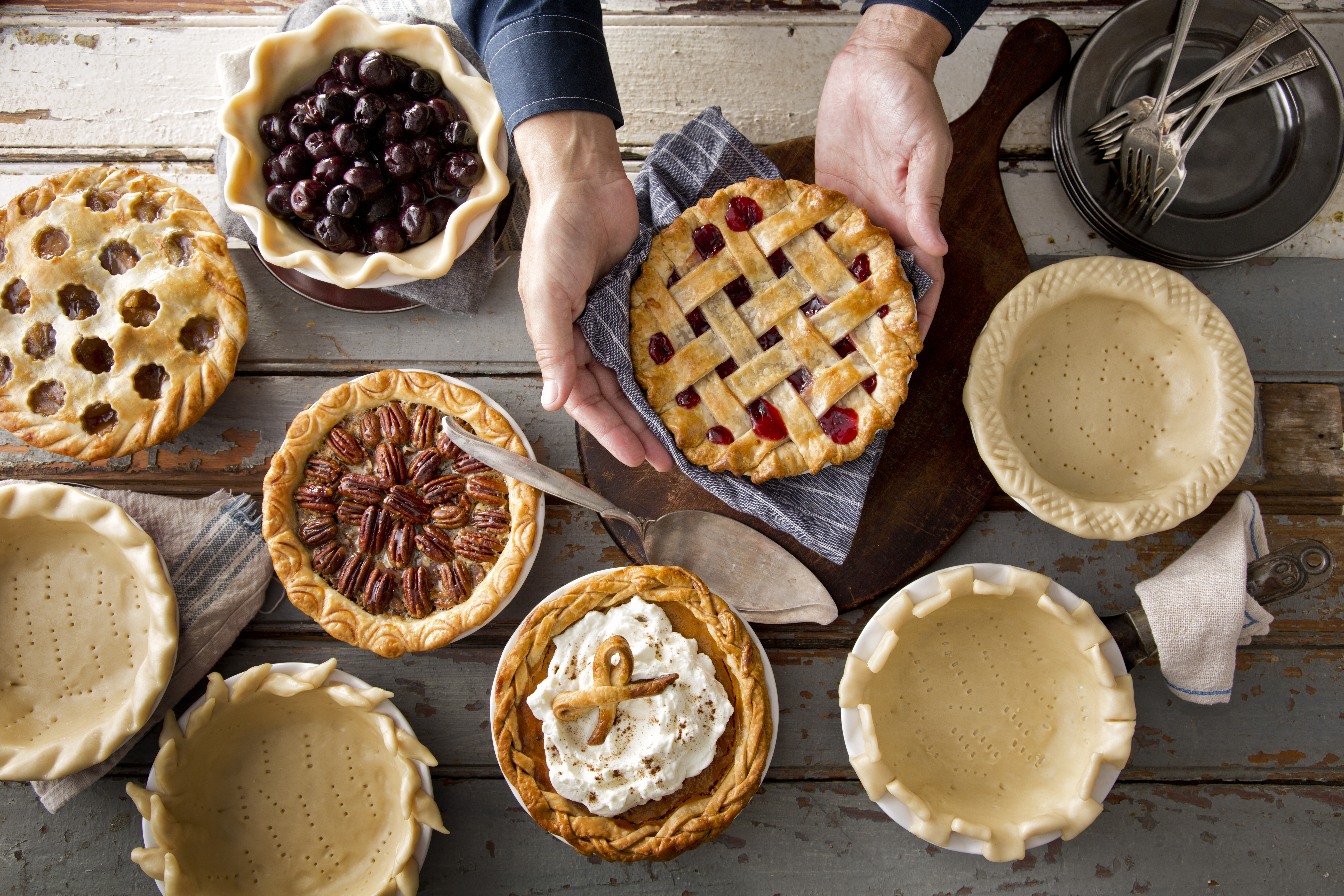 Pies To Make For Thanksgiving  Creative Pie Crust Crimping