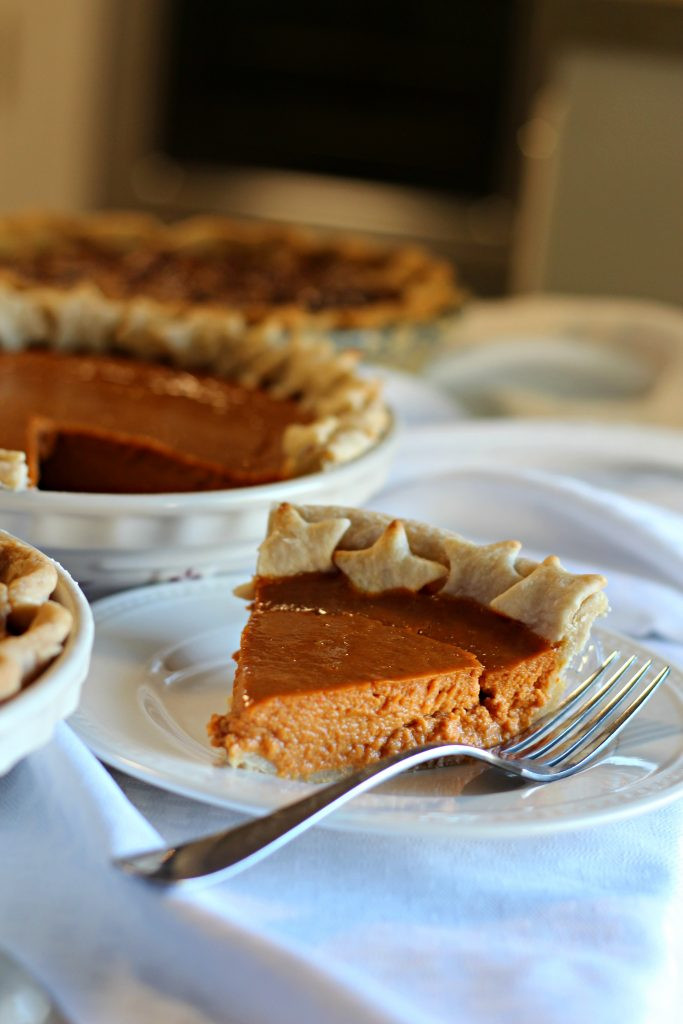 Pies To Make For Thanksgiving  Three Perfect Pies to Make for Thanksgiving Mom Needs