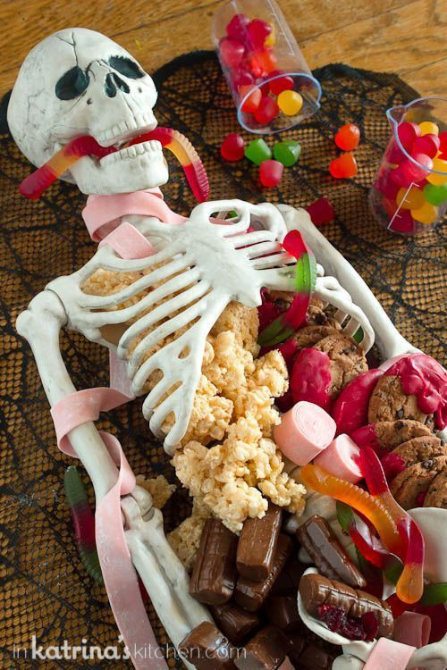 Pinterest Halloween Desserts  Best 25 Halloween dessert table ideas on Pinterest