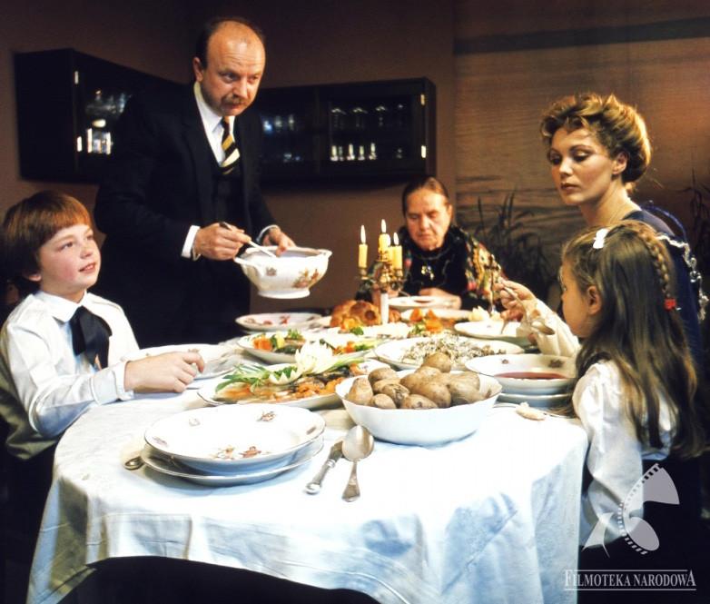 Polish Christmas Eve Dinner  The 12 Dishes of Polish Christmas Article
