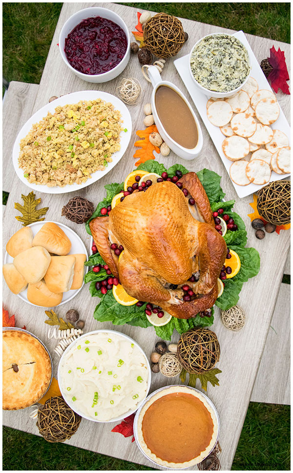Polly'S Pies Thanksgiving Dinner  Tips for Hosting Thanksgiving Dinner CakeWhiz