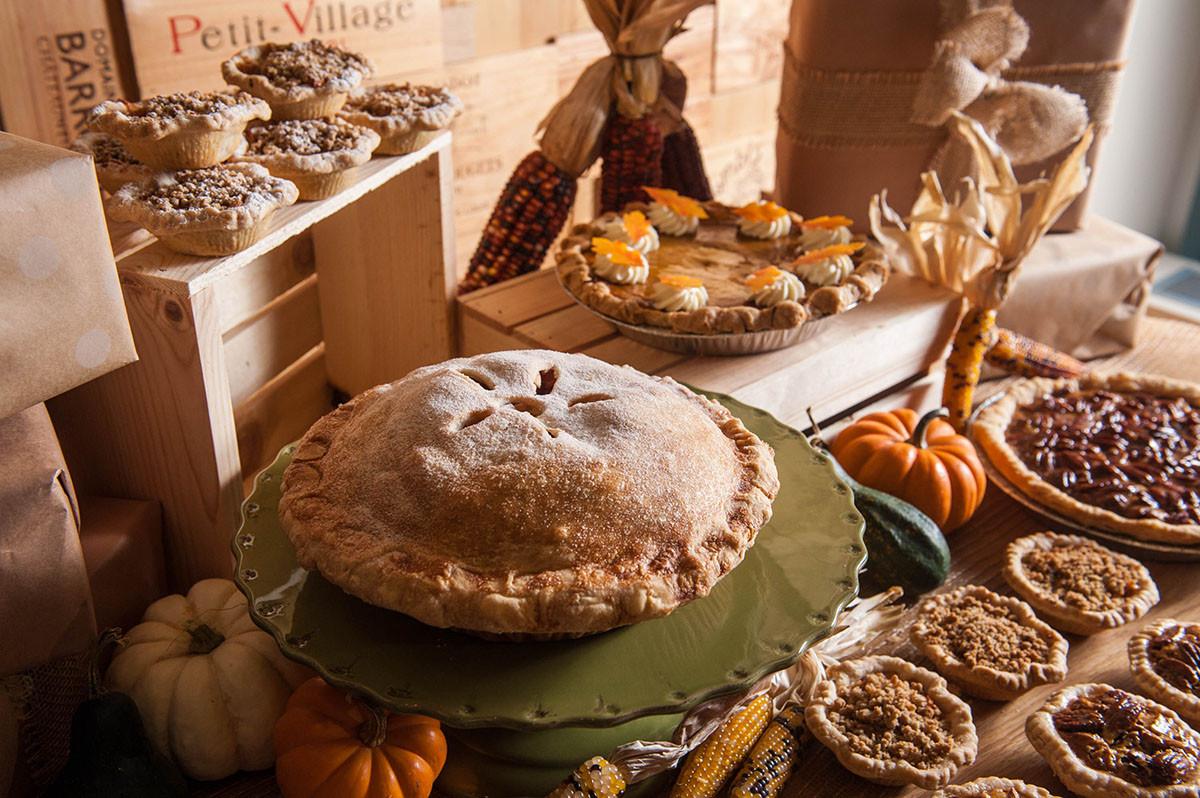 Polly'S Pies Thanksgiving Dinner To Go  Boston Restaurants fering Thanksgiving Dinner To Go