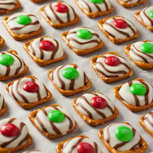 Pretzel Christmas Cookies  25 best ideas about Christmas Pretzels on Pinterest