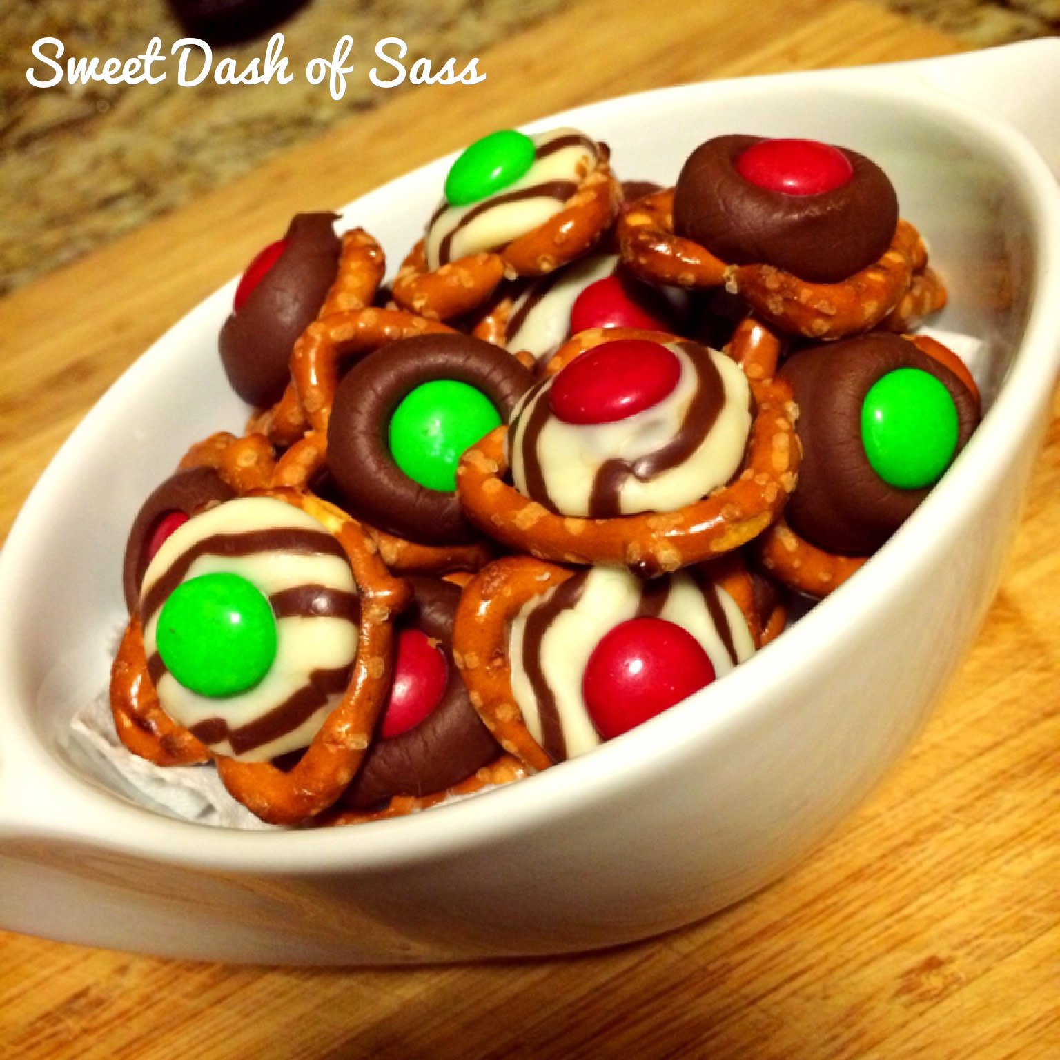 Pretzel Christmas Cookies  Chocolate Pretzel Bites