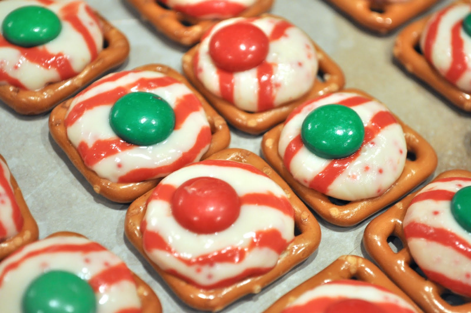 Pretzel Christmas Cookies  Monday Munchies – Holiday Pretzel Kisses