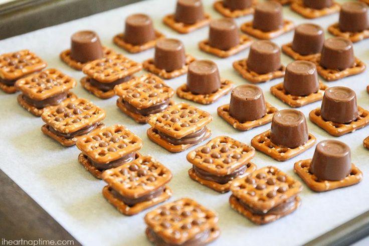 Pretzel Christmas Cookies  Best 25 Rolo pretzels ideas on Pinterest