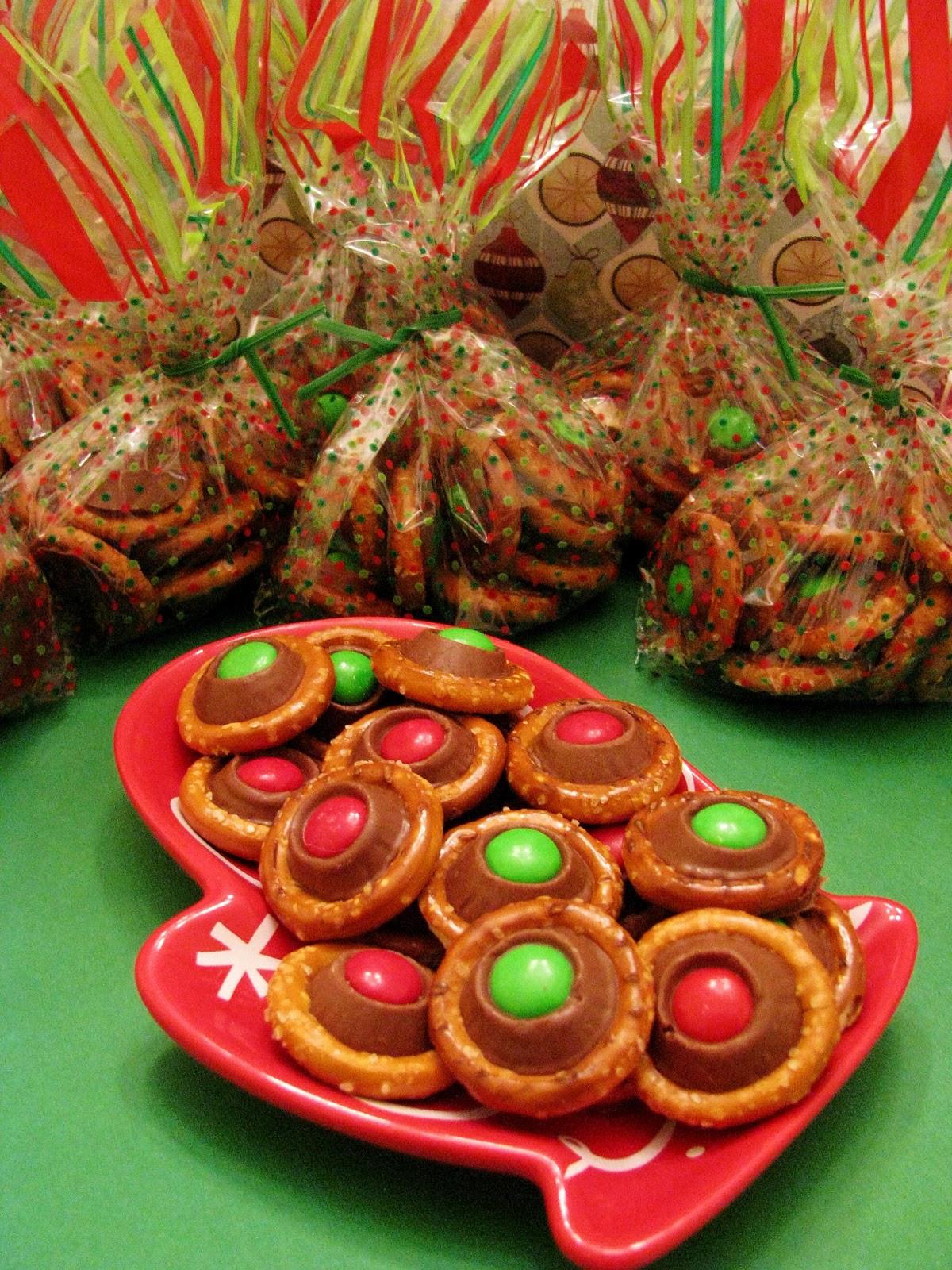 Pretzel Christmas Cookies  Butter Believe It Rolo Pretzel Bites