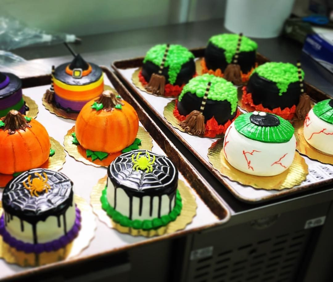 Publix Halloween Cakes  Halloween is in full effect at my Publix I am blessed