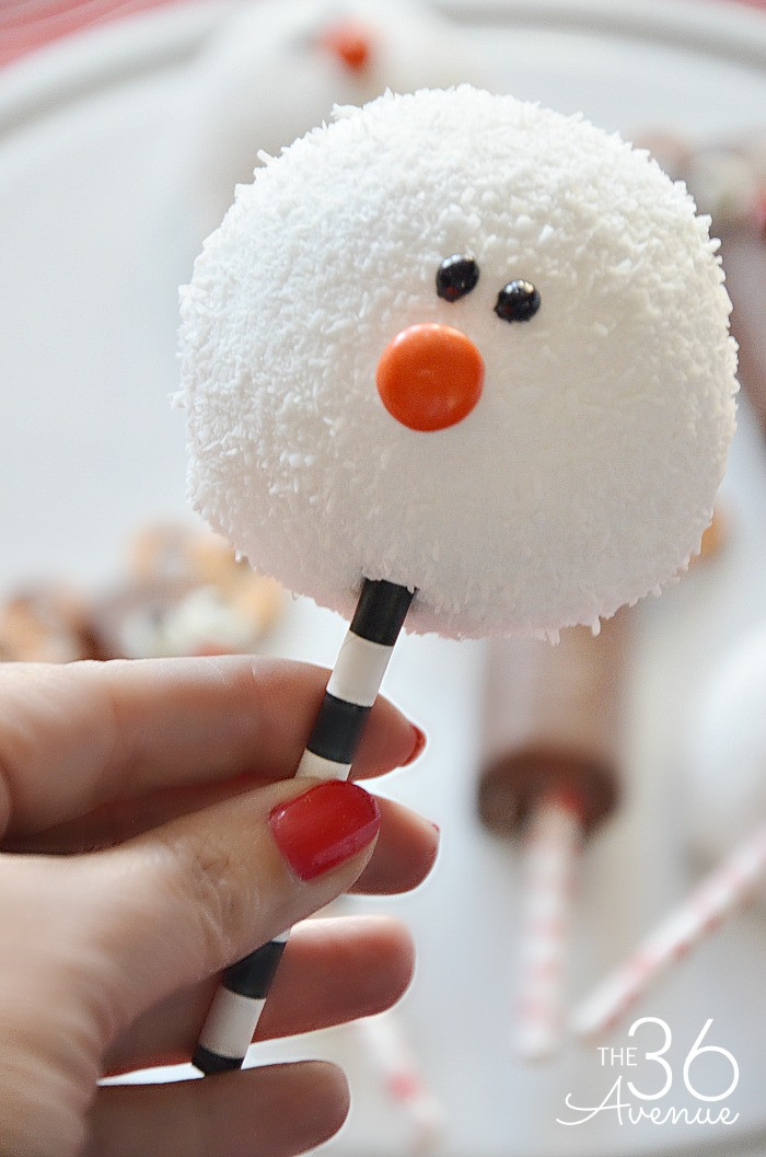 Quick And Easy Christmas Cake Recipes  Christmas Treats Reindeer and Snowman The 36th AVENUE