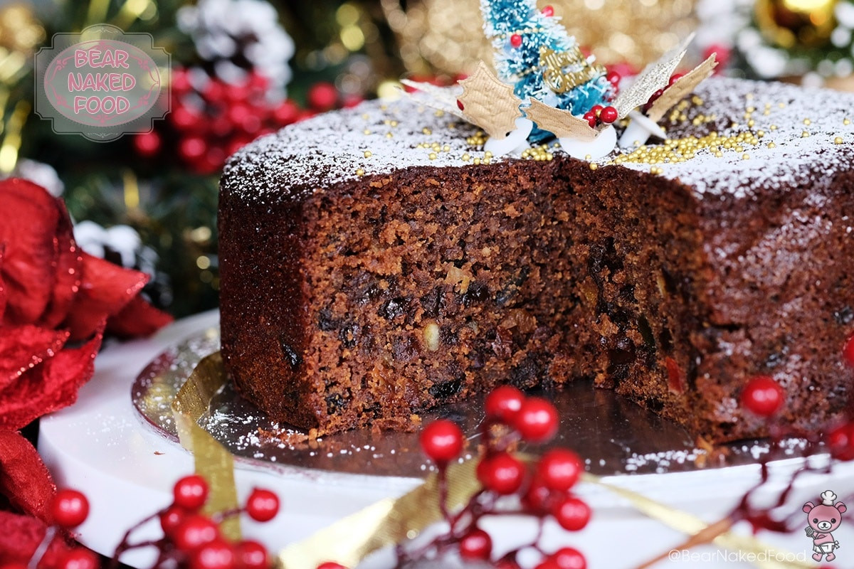 Quick And Easy Christmas Cake Recipes  Quick and Easy Christmas Fruit Cake