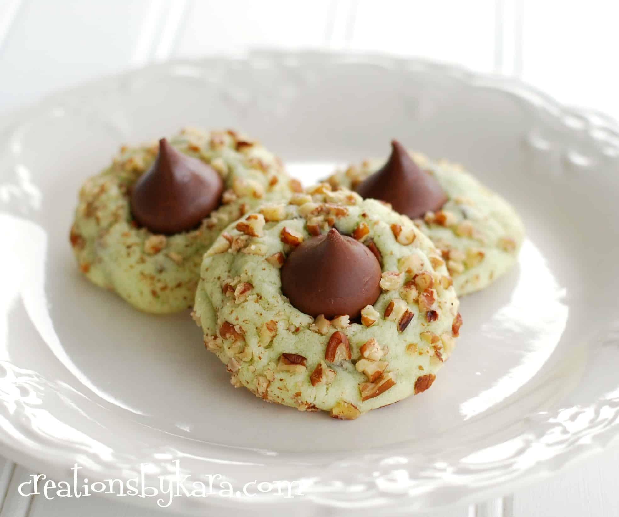 Recipes Christmas Cookies  Pistachio kiss cookies