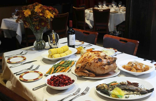 Restaurant Thanksgiving Dinner  Misfit Holiday 10 Resturants To Dine At Thanksgiving