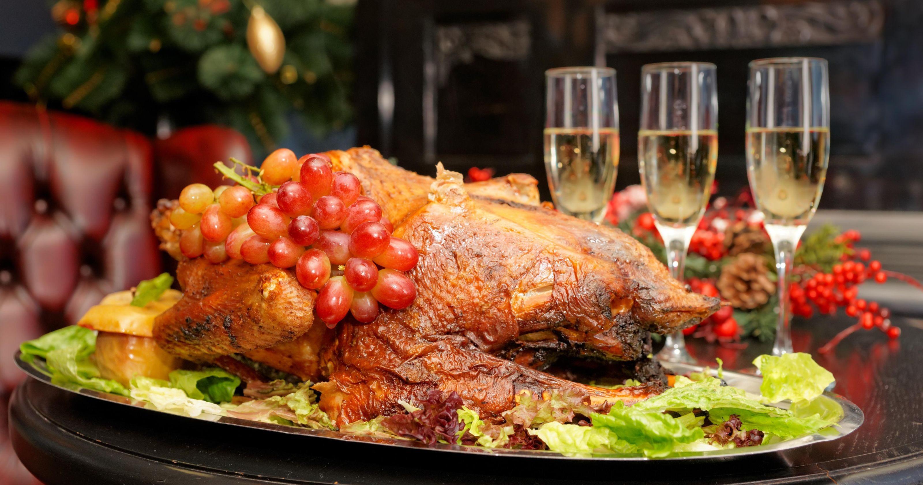 Restaurant Thanksgiving Dinner  Local restaurants offer Thanksgiving dinner options