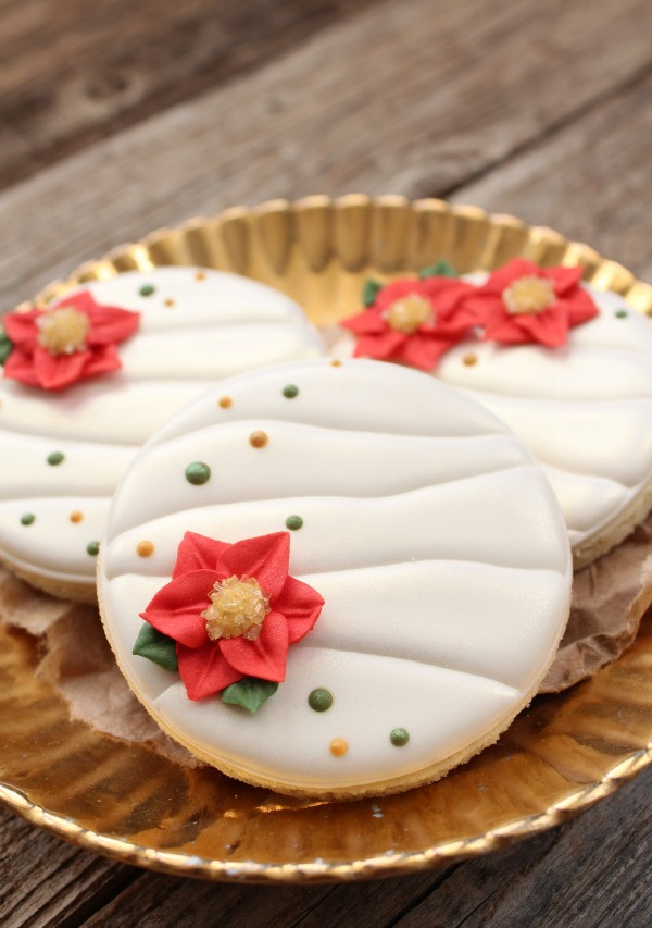 Royal Icing Christmas Cookie  Creating a Ruched Effect with Royal Icing – The Sweet