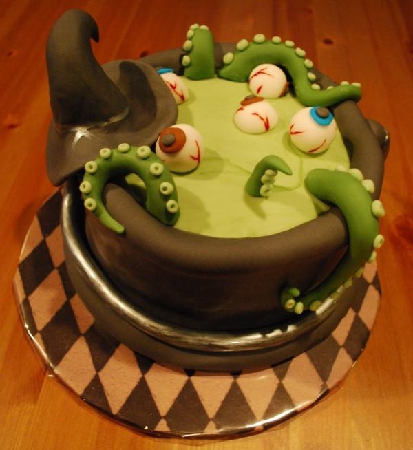 Scary Halloween Cakes  Halloween 2009 cauldron cake