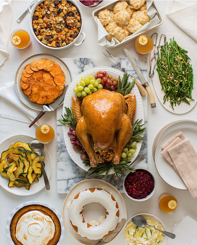 Simple Thanksgiving Dinner  50 Thanksgiving Decorating Ideas Home Bunch Interior