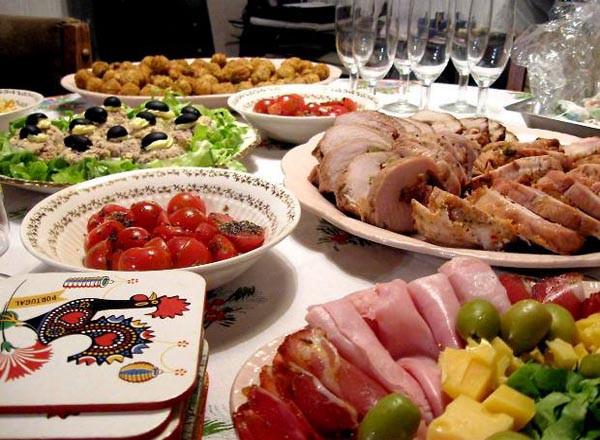 Simple Thanksgiving Dinner  Thanksgiving Dinner Menu Ideas Easyday