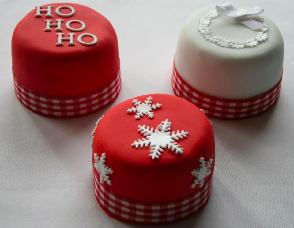 Small Christmas Cakes  Cupcakes