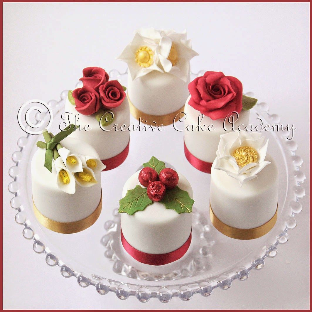 Small Christmas Cakes  The Creative Cake Academy CHRISTMAS MINI CAKES VINTAGE
