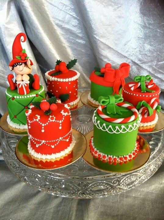 Small Christmas Cakes  Mini Christmas cakes Mini Cakes