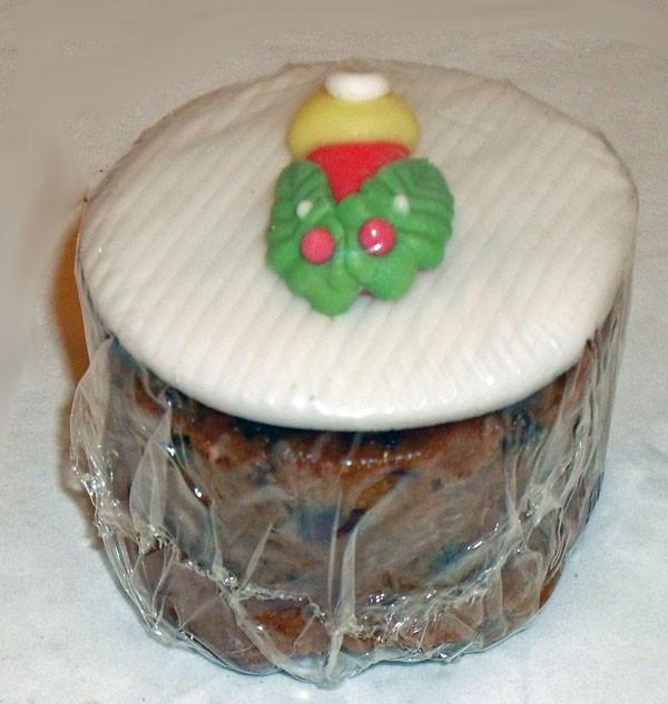 Small Christmas Cakes  Christmas Cakes Dunn s Bakery