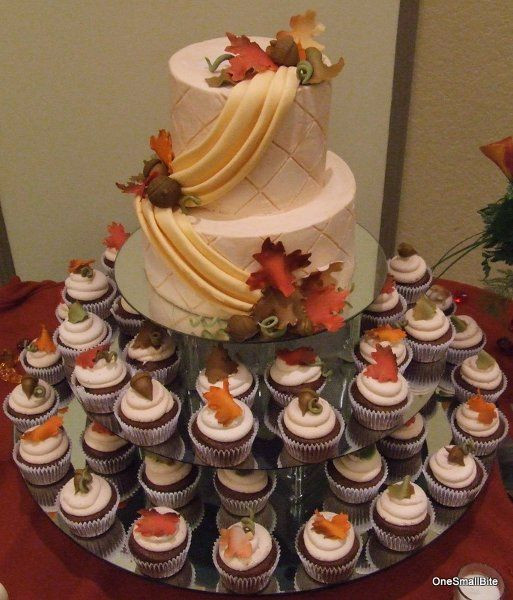 Small Fall Wedding Cakes  25 best ideas about Fall Wedding Cupcakes on Pinterest