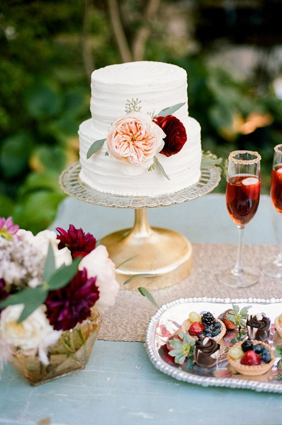 Small Fall Wedding Cakes  Best 25 Small wedding cakes ideas on Pinterest