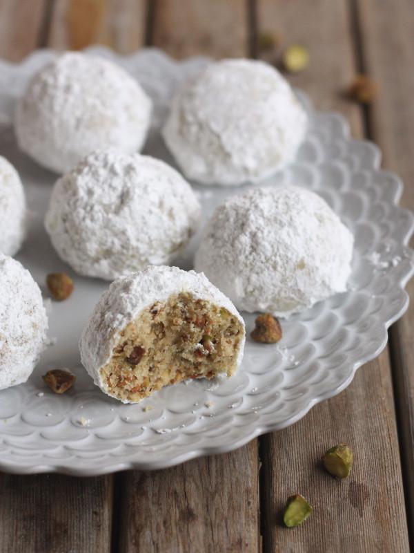 Snowball Christmas Cookies  Pistachio Snowball Cookies pletely Delicious