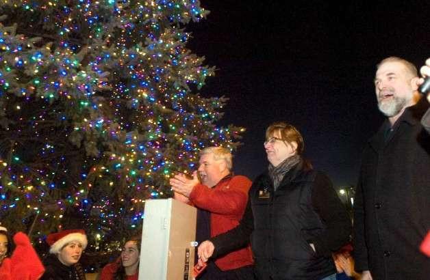 Stew Leonard'S Christmas Trees  Stew Leonard s ushers in the holiday season NewsTimes