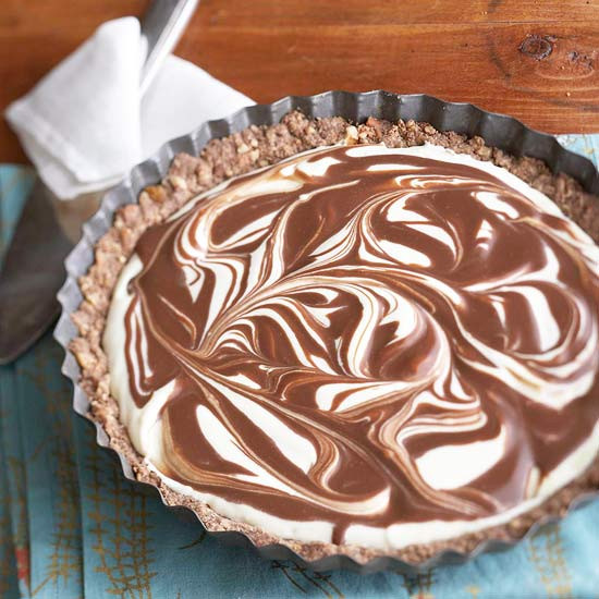 Thanksgiving Chocolate Pie  35 Thanksgiving Pie Recipes