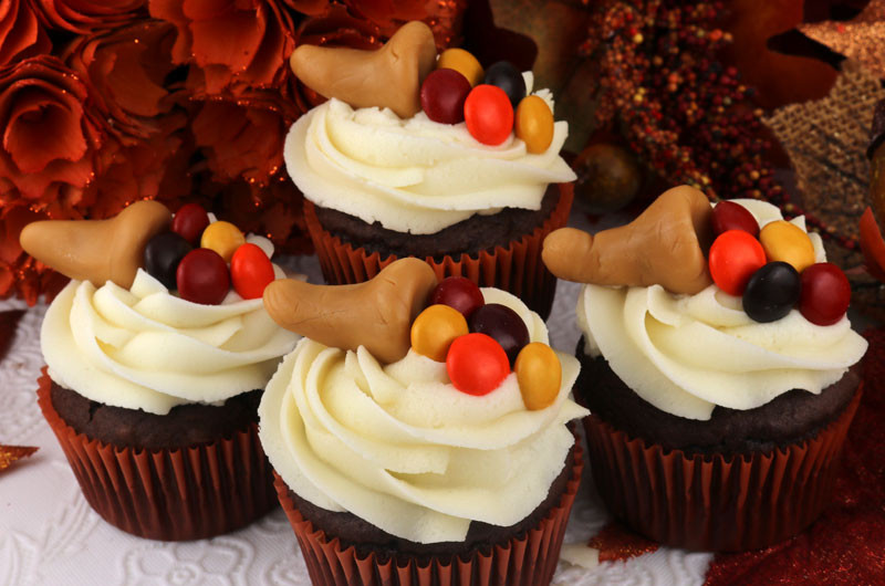 Thanksgiving Cupcakes Decorating Ideas  Thanksgiving Caramelcopia Cupcakes Two Sisters