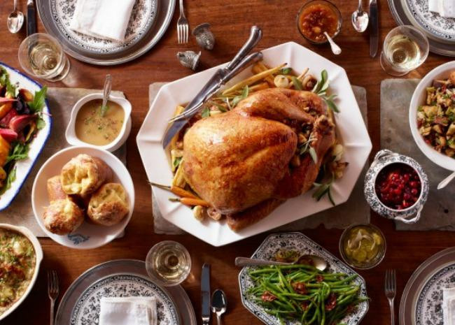 Thanksgiving Dinner Food  The Right Wine to Pair with Every Thanksgiving Course