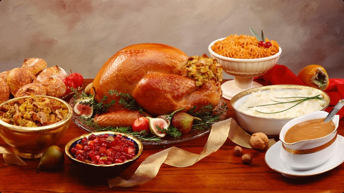 Thanksgiving Dinner Food  Thanksgiving Dinner Courtesy of the Farmers Market