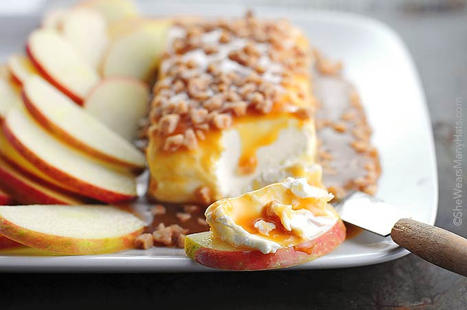 Thanksgiving Dips And Spreads  Caramel Apple Cream Cheese Spread