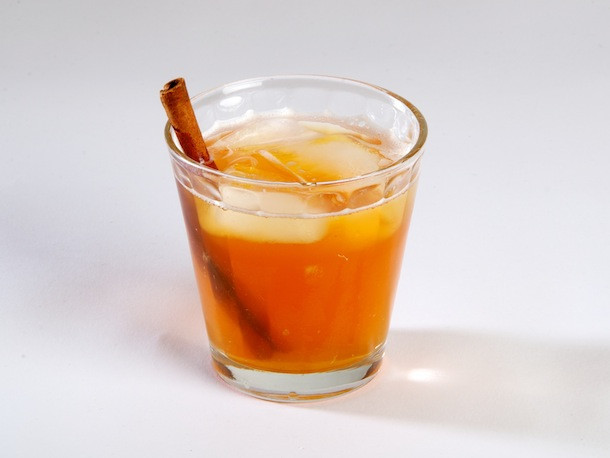 Thanksgiving Drinks Alcoholic  7 Nonalcoholic Drink Recipes for Thanksgiving