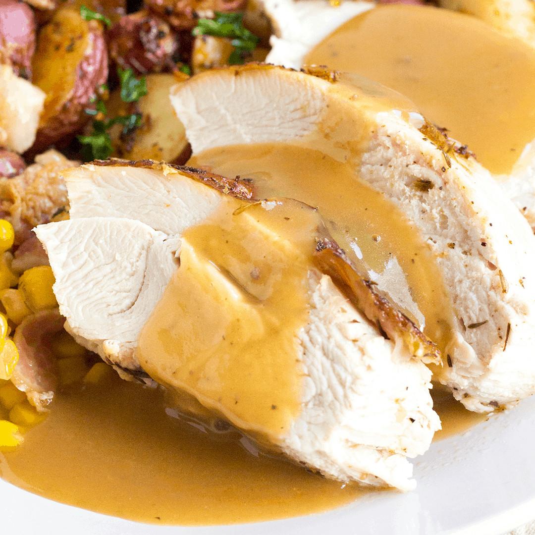 Thanksgiving Gravy Recipe  Easy Turkey Gravy Recipe • Bread Booze Bacon