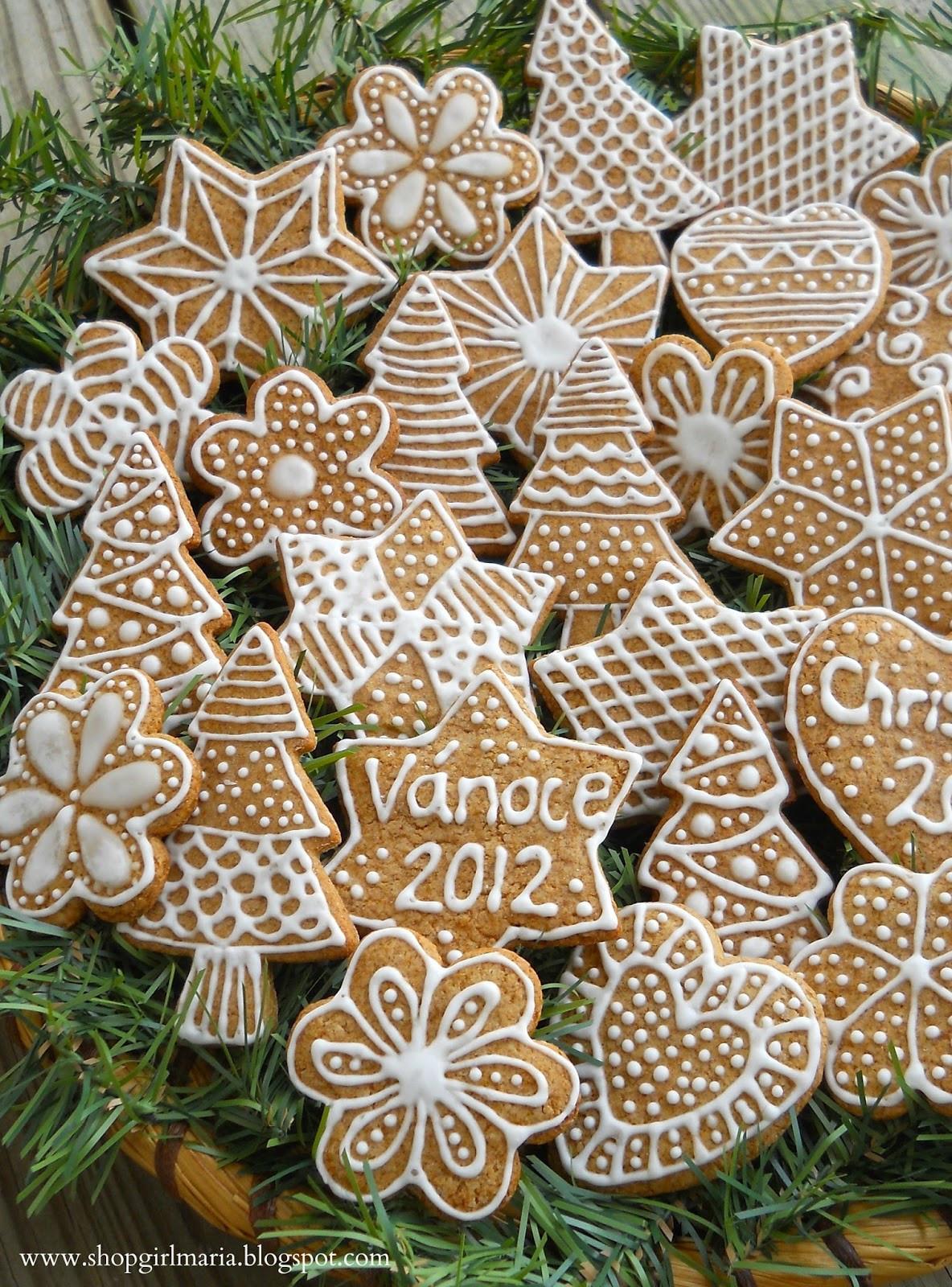 Traditional Christmas Cookies  Traditional Christmas Gingerbread Cookies