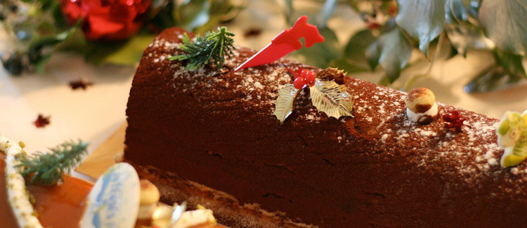 Traditional Christmas Desserts From Around The World  Traditional Christmas Desserts from Around the World