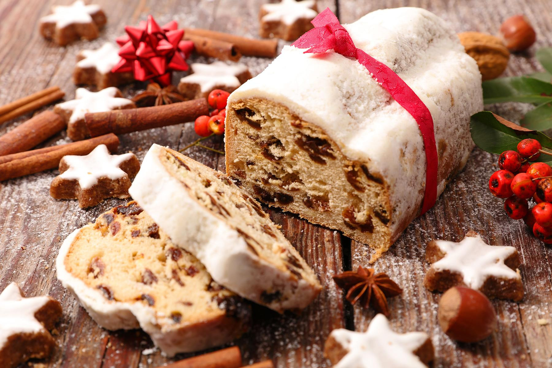 Traditional Christmas Desserts From Around The World  Traditional Holiday Desserts from Around the World